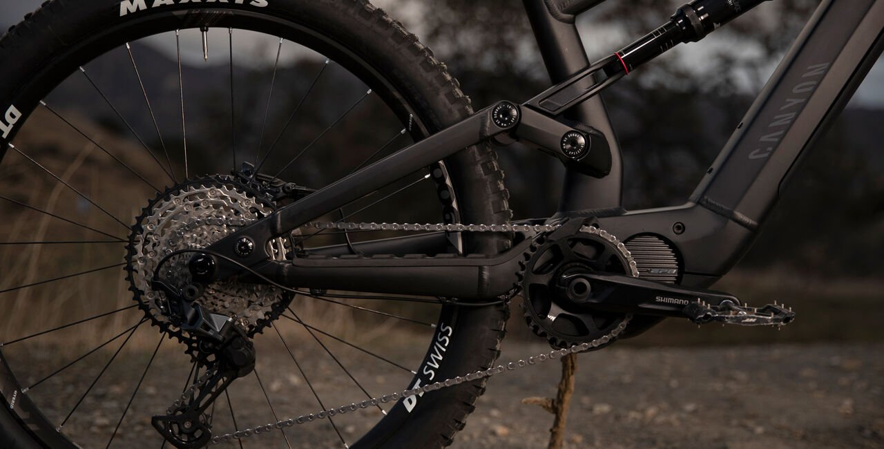 Canyon electric MTB with mid-drive motor and full-suspension