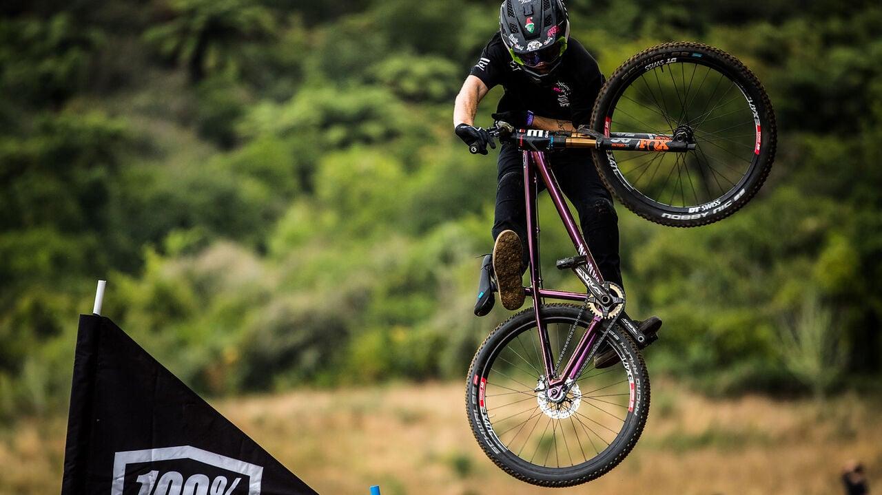 Canyon dirt jump bike STCHD